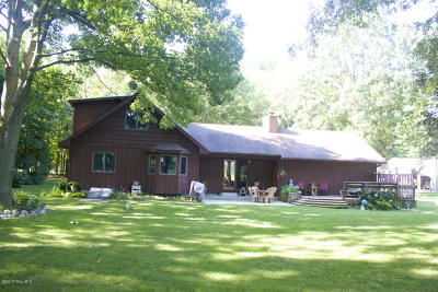 Allegan County Single Family Home For Sale: 6723 103rd Avenue