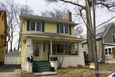 East Grand Rapids Single Family Home For Sale: 709 Gladstone Drive SE