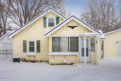 Single Family Home For Sale: 945 Roger Street NW