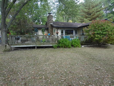 Vandalia Single Family Home For Sale: 17154 Lakeview Dr.