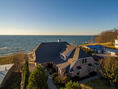 Single Family Home For Sale: 11409 Lakeshore Drive