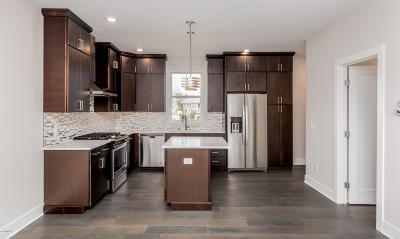 Grand Rapids Condo/Townhouse For Sale: 619 NE Fairview NE #2