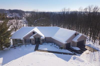 Ada Single Family Home For Sale: 6234 N Hills Court NE