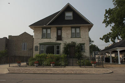 Van Buren County Single Family Home For Sale: 424 Huron Street