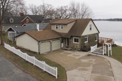 St. Joseph County Single Family Home For Sale: 541 Willow Drive