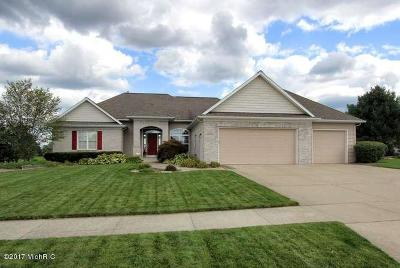 Caledonia Single Family Home For Sale: 7810 Green Links Drive SE
