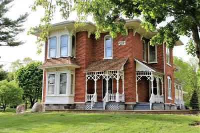 Van Buren County Single Family Home For Sale: 31220 M-43