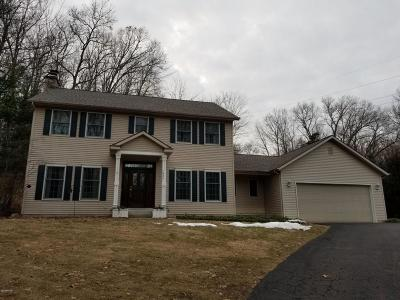 Grand Rapids Single Family Home For Sale: 1835 Laraway Lane SE