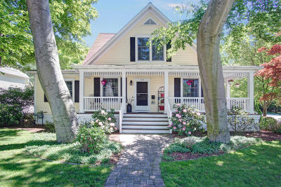 Grand Haven Single Family Home For Sale: 104 Williams Street