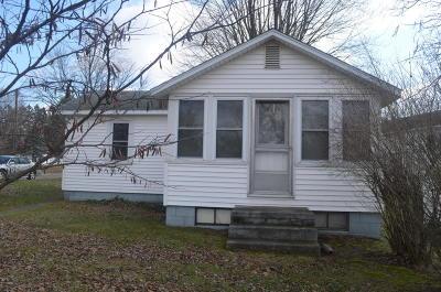 Colon Single Family Home For Sale: 321 John