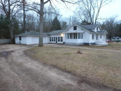 Grand Haven, Spring Lake Single Family Home For Sale: 15900 Groesbeck Street