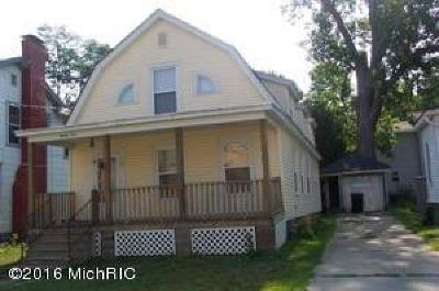 Niles Single Family Home For Sale: 21 S 5th Street