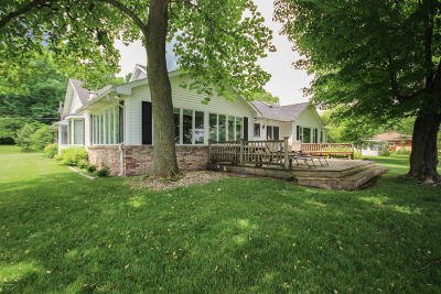 St. Joseph County Single Family Home For Sale: 12719 Sleepy Hollow Road