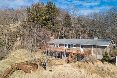 Muskegon County Single Family Home For Sale: 3915 N Scenic Drive