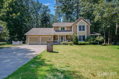 Grand Haven, Spring Lake Single Family Home For Sale: 11865 Chickory Drive
