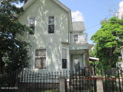 Single Family Home For Sale: 847 Oakland Avenue SW