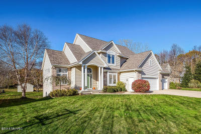 Single Family Home For Sale: 2217 Ashcreek Court NW