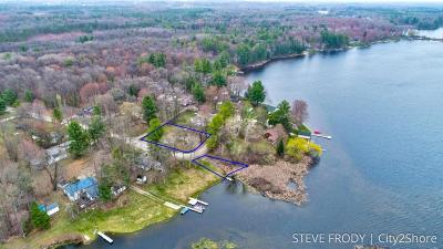 Single Family Home For Sale: 13798 Half Mile Drive NE