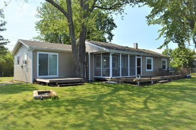 Eau Claire MI Single Family Home For Sale: $199,900