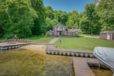 Cassopolis Single Family Home For Sale: 65023 Shorewood Lane