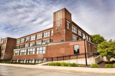 Holland MI Condo/Townhouse For Sale: $299,900