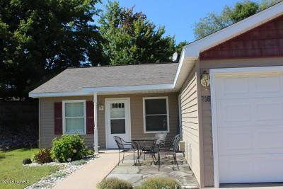 Shelby Condo/Townhouse For Sale: 218 Devonwood Street