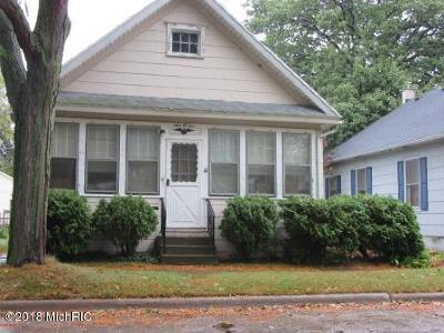 St. Joseph Single Family Home For Sale: 905 Wolcott Avenue