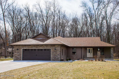 Edwardsburg Single Family Home For Sale: 21813 Wright Place