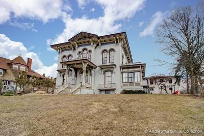 Grand Rapids Condo/Townhouse For Sale: 44 Lafayette Avenue NE #4