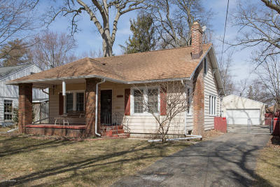 Kalamazoo Single Family Home For Sale: 1425 Lakeway