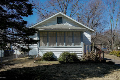 Kalamazoo Single Family Home For Sale: 725 Gayle