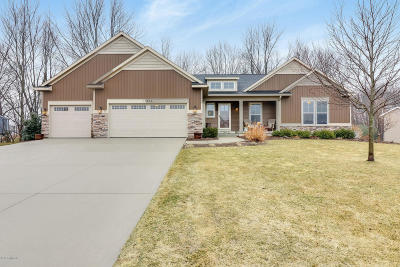 Grand Haven Single Family Home For Sale: 15518 Sweetbriar Drive