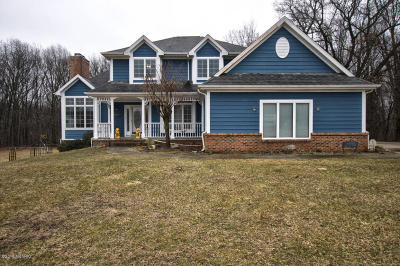 Edwardsburg Single Family Home For Sale: 26811 Deerpath Court