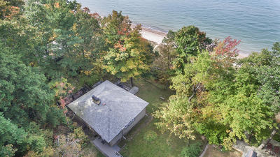 Covert MI Single Family Home For Sale: $875,000