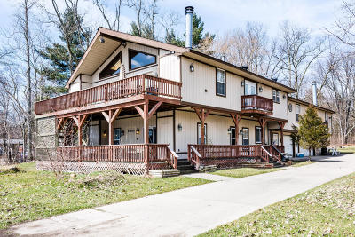 Benton Harbor Multi Family Home For Sale: 68600 M-152