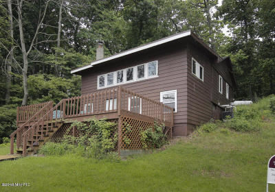 Hastings Single Family Home For Sale: 5741 Head Lake Road