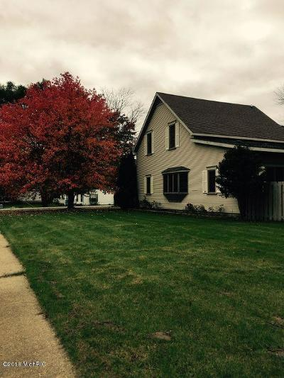 Gladwin County Single Family Home For Sale: 310 Cemetery St
