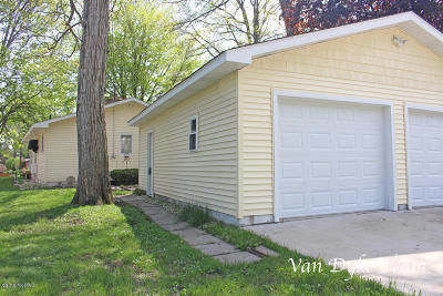 Single Family Home For Sale: 12797 Valley Drive
