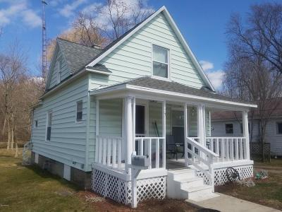 Hillsdale Single Family Home For Sale: 57 Willow Street