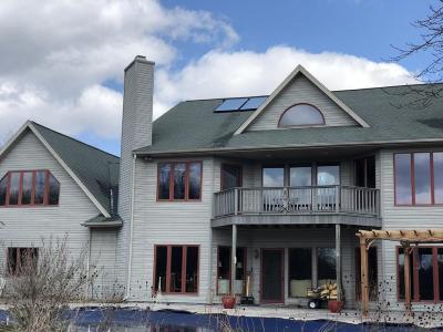 Single Family Home For Sale: 10876 Christopher Lane