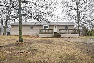 White Pigeon Single Family Home For Sale: 19846 E Us Hwy 12