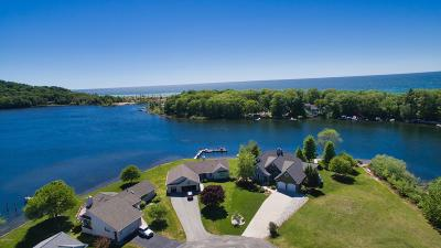 Benzie County, Charlevoix County, Clare County, Emmet County, Grand Traverse County, Kalkaska County, Lake County, Leelanau County, Manistee County, Mason County, Missaukee County, Osceola County, Roscommon County, Wexford County Single Family Home For Sale: 3014 Grebe Court