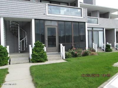 Pentwater Condo/Townhouse For Sale: 383 Spinnaker Drive #5