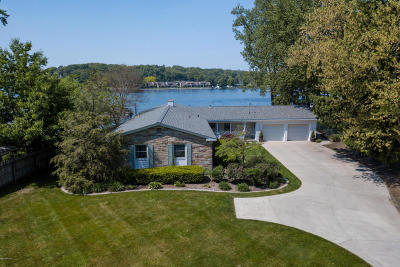 Grand Haven, Spring Lake, Ferrysburg Single Family Home For Sale: 15657 View Drive
