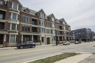 Grand Rapids Condo/Townhouse For Sale: 430 Union Avenue NE #303