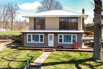 Single Family Home For Sale: 27142 Oak Drive