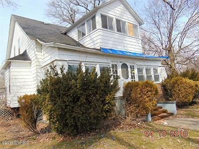 Muskegon Single Family Home For Sale: 120 E Sherman Boulevard
