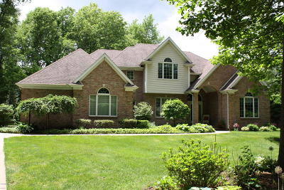 Niles Single Family Home For Sale: 71206 Covington Bluff Court
