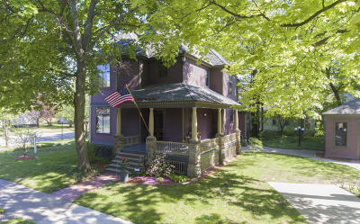 Holland Single Family Home For Sale: 106 W 11th Street