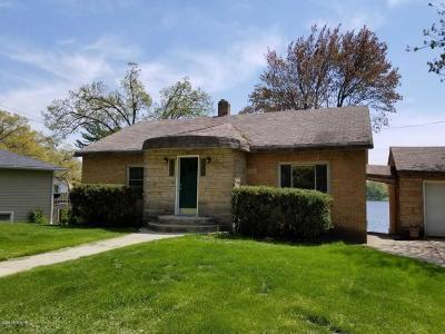 Grand Haven, Spring Lake Single Family Home For Sale: 304 Dewitt Lane